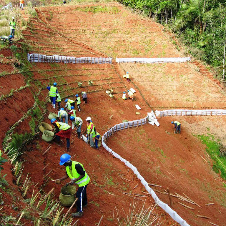 Stabilisation de talus et protection infrastructure: pipeline
