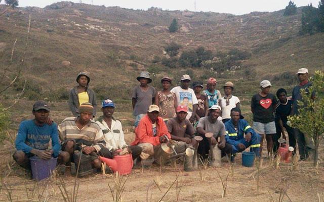 habitants du village d'Ambohitsilaizina